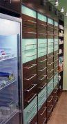 Συρταριέρα φαρμακείου επενδυμένη, εγκατεστημένη.
